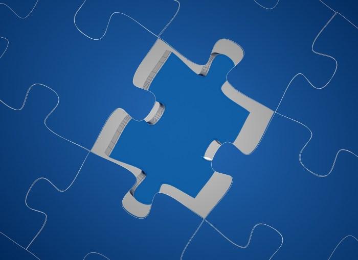 puzzle blu pezzo mancante
