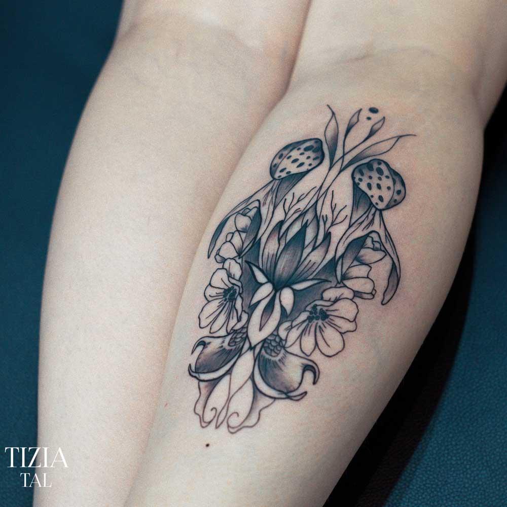 tattoo-ornemental-fleur-femme-paris