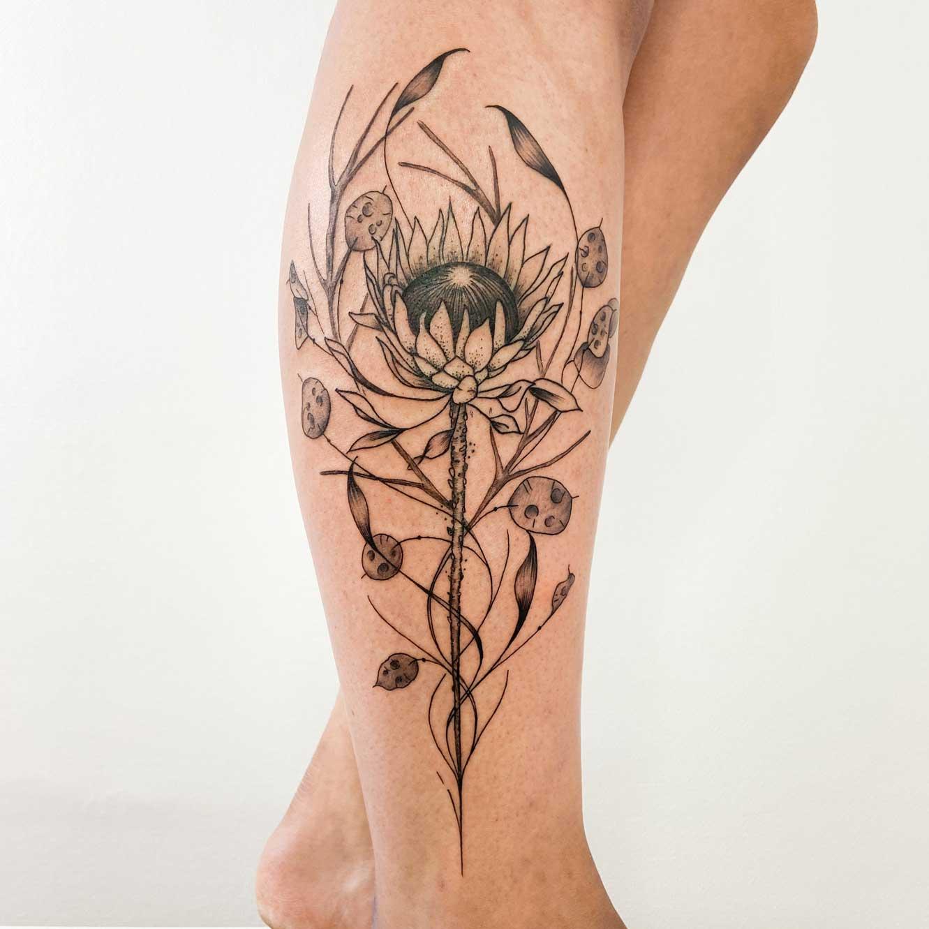 tatouage-mollet-fleur-organic-floral-france