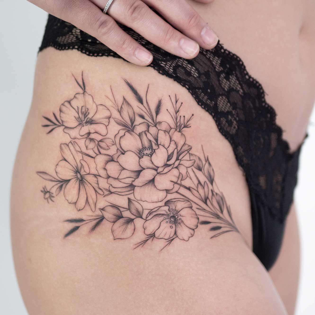 tatouage-hanche-fin-toulouse