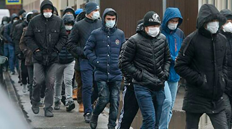 Русия: Медведев пешниҳод кард, ки қоидаҳои вуруд ба муҳоҷирон тақвият дода шавад