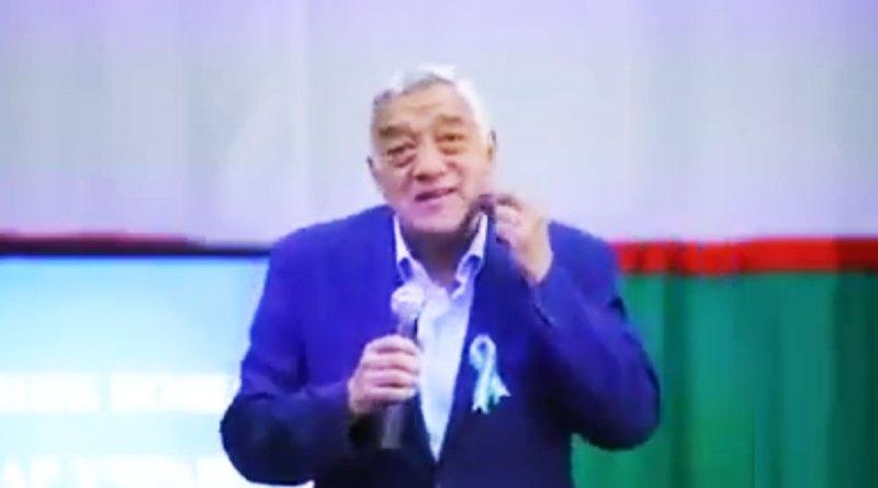 Ҳунарманди ӯзбек: риш аз шайтон аст