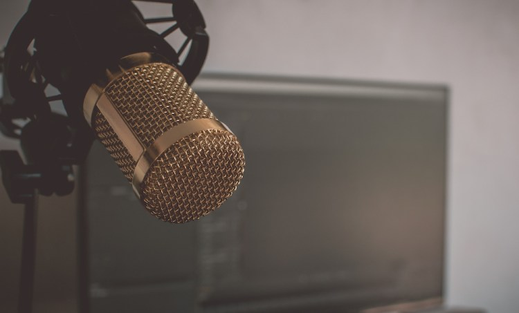 Open Letter to Radio: It's Time To Develop Personalities