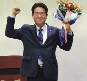 Kukkiwon President Lee Dong Sup