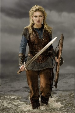 katheryn_winnick_vikings_season_3_promos_037