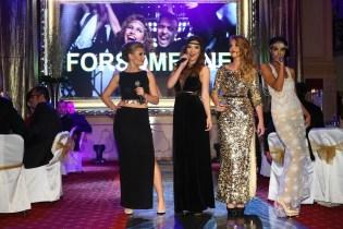 Účastníkov večera hudobne sprevádzala dievčenská spevácka skupina For Someone, DJane Kattka aako hudobné prekvapenie Aleny Pallovej zIEM vystúpila opolnoci aj skupina Fragile.