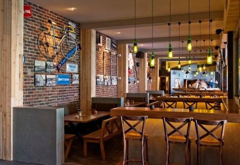 Centrálna klubovňa sa nachádza na mieste, kde bola kedysi známa bratislavská jedálneň a piváreň Centrál.