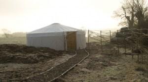 bristolcommuntiyfarm-frosty-yurt-617x342