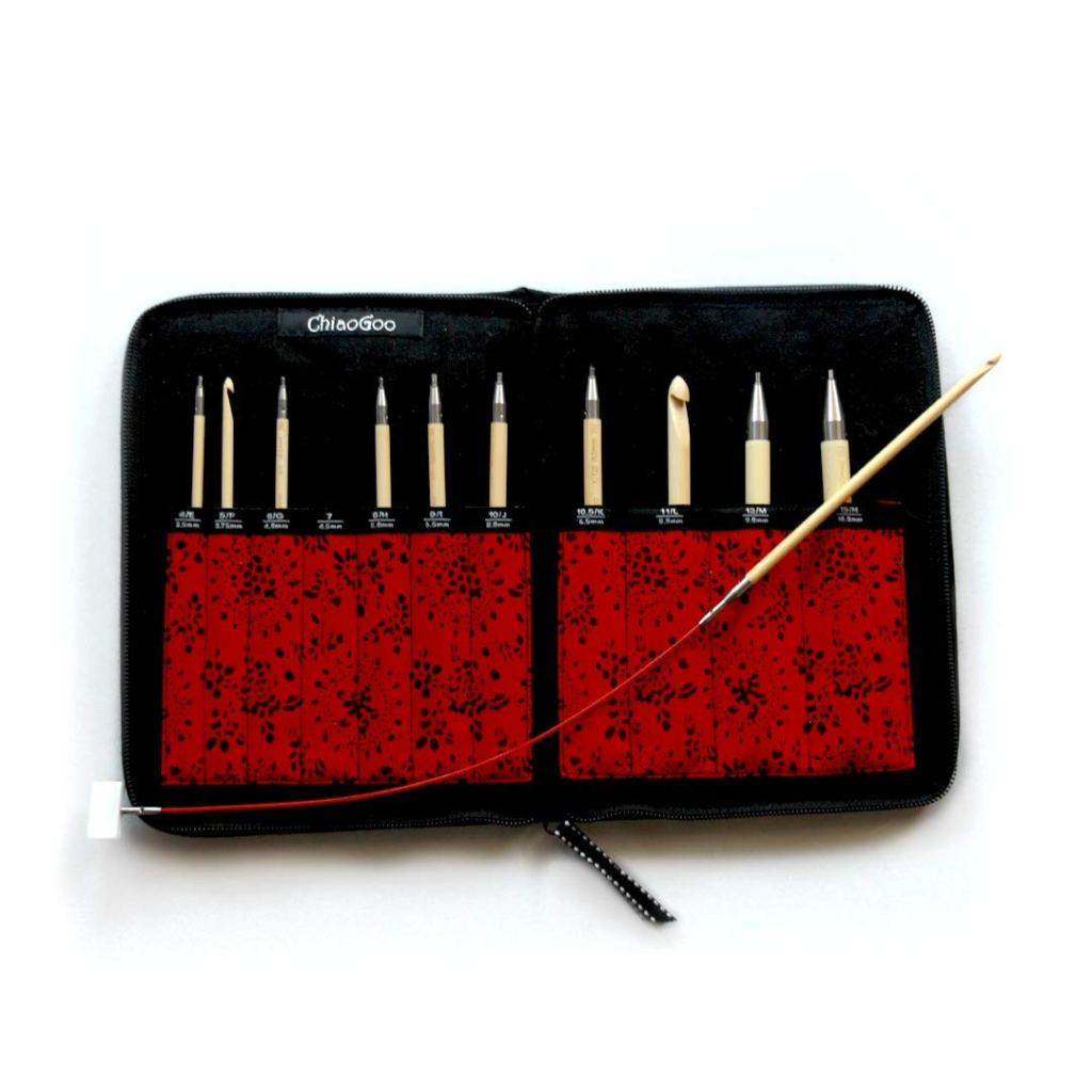 Tunisian crochet interchangeable hook set product review. 5 best Tunisian crochet hooks hook sets. Addi, Knitter's Pride, Denise, Chiaogoo, and Tulip. What are the best Tunisian crochet hooks? | TLYCBlog.com