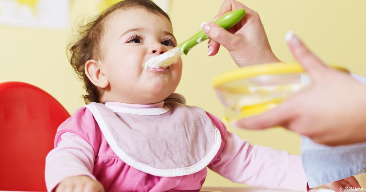 أسرة : تغذية طفل بعمر 8 أشهر / مدونة أسماء التمالح