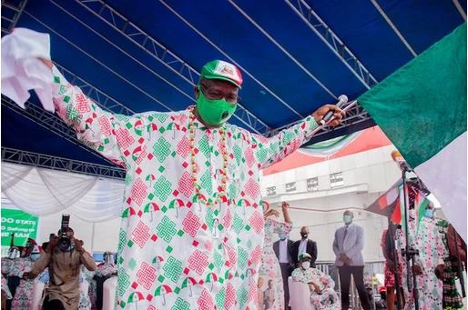 See The Embarrassing Moment Governor Obaseki Was Booed At Oba's Palace In Benin (Video)