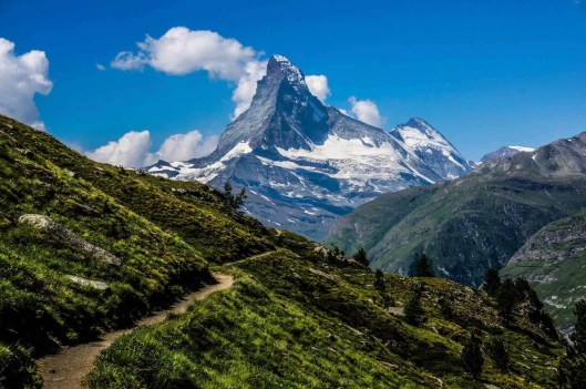 First views of the Matterhorn on the Europaweg.