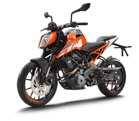 159739_ktm-duke-250-left-front-my-2017-studio