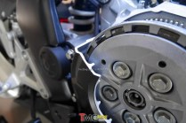 CBR250RR_Engine_cutting_041