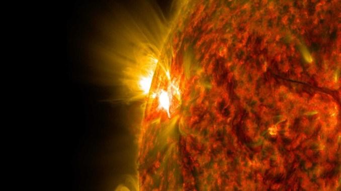 Зонд Fermi спостерігав спалахи за горизонтом Сонця