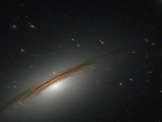 Фото дня: галактичний гібрид від «Хаббл»