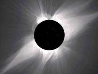 Розігрів сонячної корони пояснили «наноспалахи»