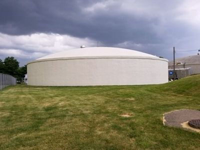 Muscatine Concrete Water Reservoir Rehabilitation after TMI Coatings repainted it.
