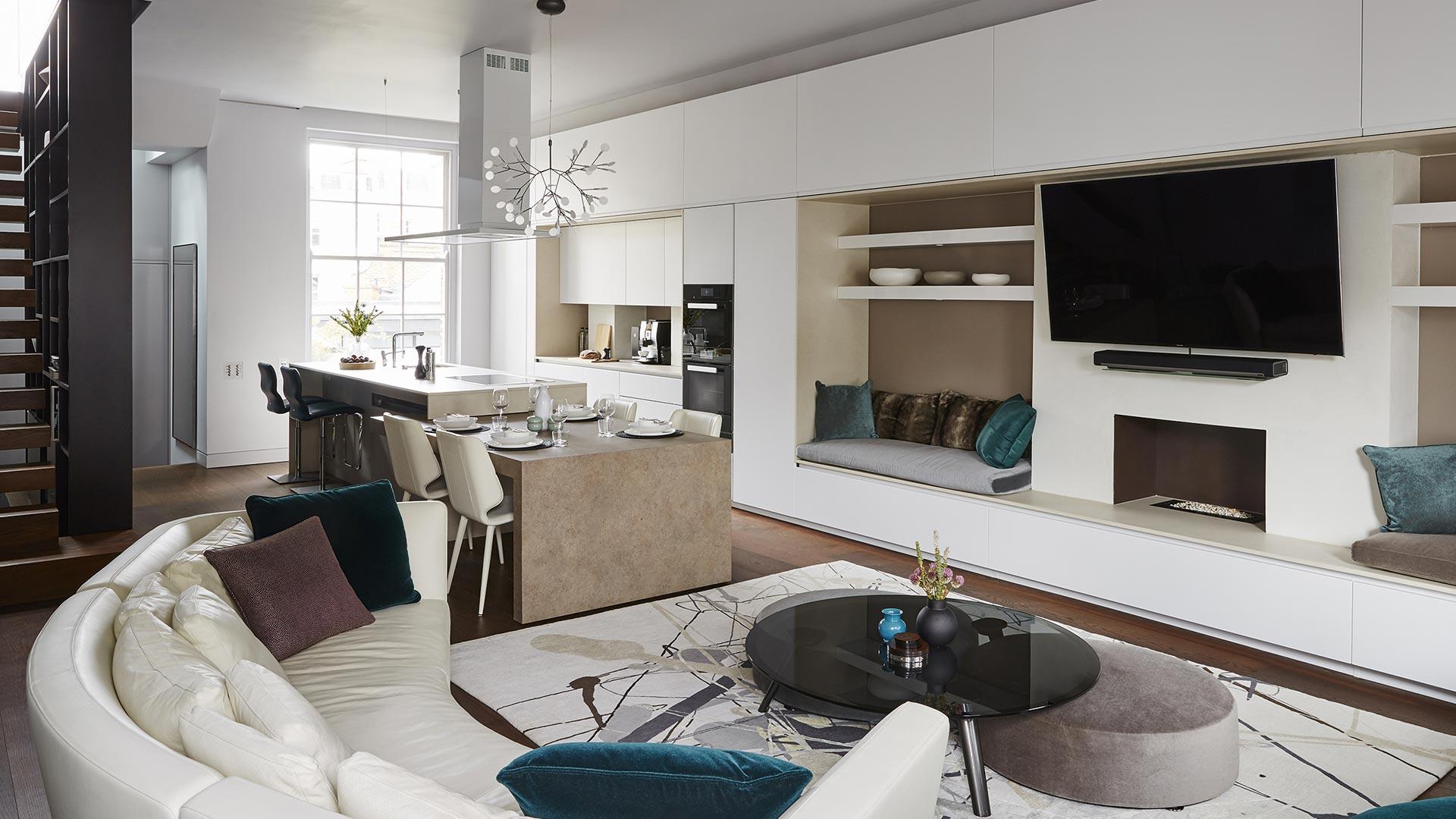 Negli appartamenti moderni è molto frequente scegliere di avere un soggiorno con angolo cottura, anziché una cucina separata dalla living room oppure una. Cucina Con Isola E Tavolo Estraibile Integrata Nell Area Living