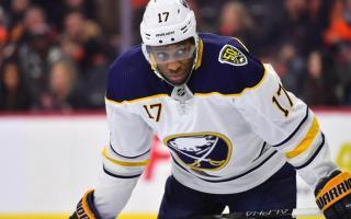 Maple Leafs Sign Forward Wayne Simmonds