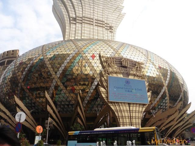 Travel-Macau-Praça de Ferreira do Amaral-Casino Lisbon-close-up-20180210