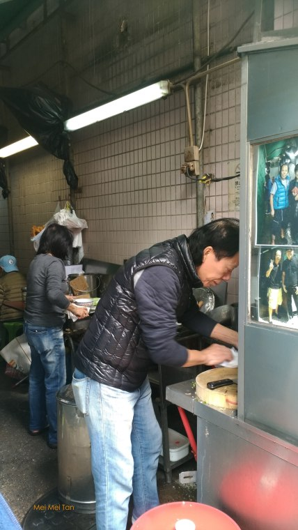 Street Food at the Historic Center of Macao-Cheng Kee Congee-the owner-20180210