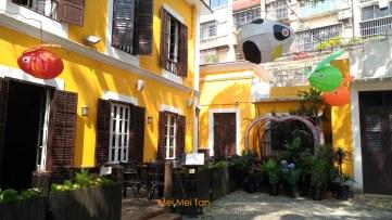 「婆仔屋」院落內的葡式餐廳,網路上頗受好評