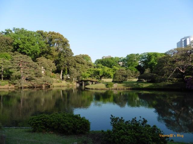 tokyo-rikugien-pond