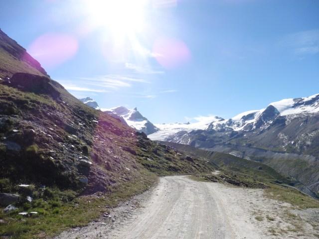 策馬特五湖健行 5-lake walk - 往第一個湖Stellisee的途中