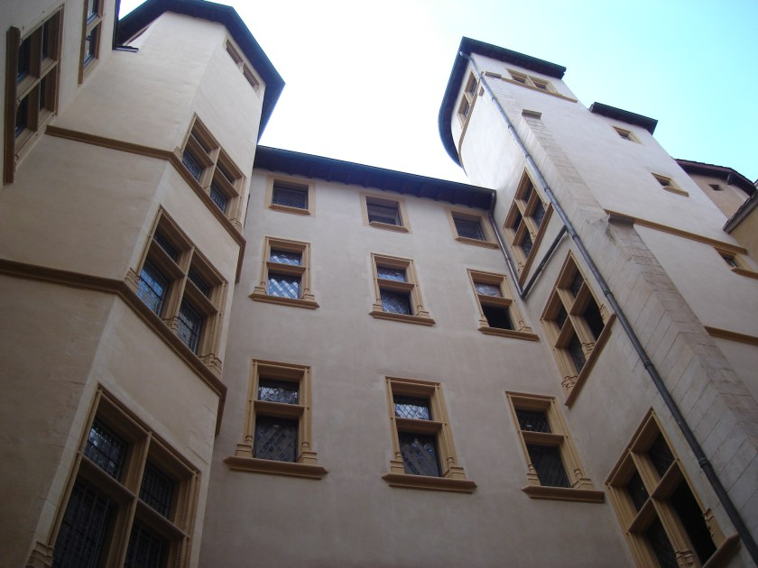 里昂舊城區 加達涅博物館Musée Gadagne 由 Gonedelyon - 自己的作品, CC BY-SA 3.0, https://commons.wikimedia.org/w/index.php?curid=4395442