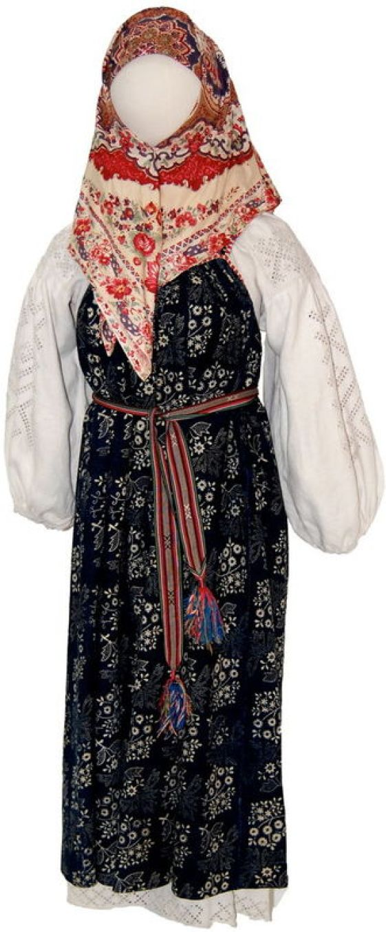 Peasant Woman's Dress (Poneva and Shirt), late 19th-early 20th century. Voronezh region, Russia. Private Collection of Susan Johnson. See item description for specific details.