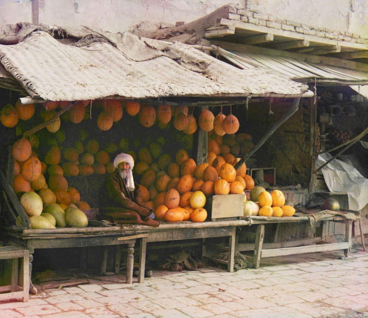 Prokudin-Gorskii, Sergei Mikhailovich. Melon Vendor, 1906-1911. 1 negative (3 frames) : glass, b&w, three-color separation. Library of Congress, Prokudin-Gorskii Collection.