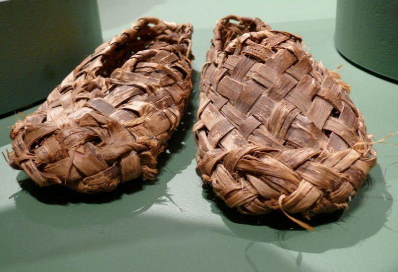 Bark shoes (lapti)