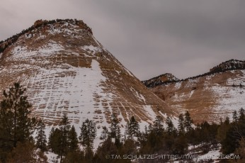 Snow Returns to Checkerboard Mesa