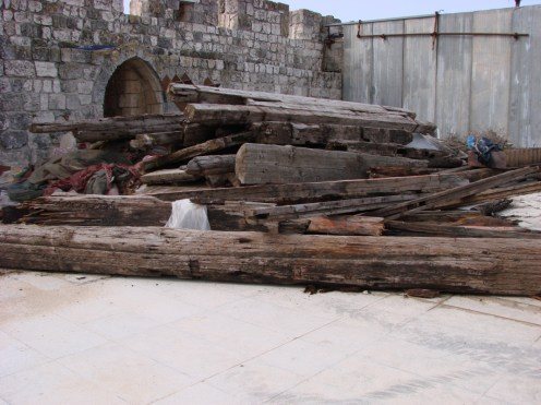 Fig 2. A stack of beams near the southern wall of the Temple Mount (March 2007) (photo: Zachi Dvira)
