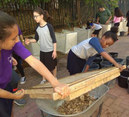 Yeshurun schoolgirls sifting