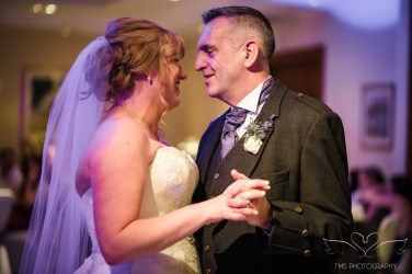 wedding_photography_staffordshire_branstongolfclub_pavilion-152