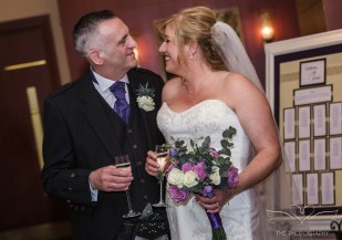 wedding_photography_staffordshire_branstongolfclub_pavilion-92