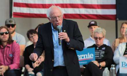 Presidential candidate Sanders stops in Dover