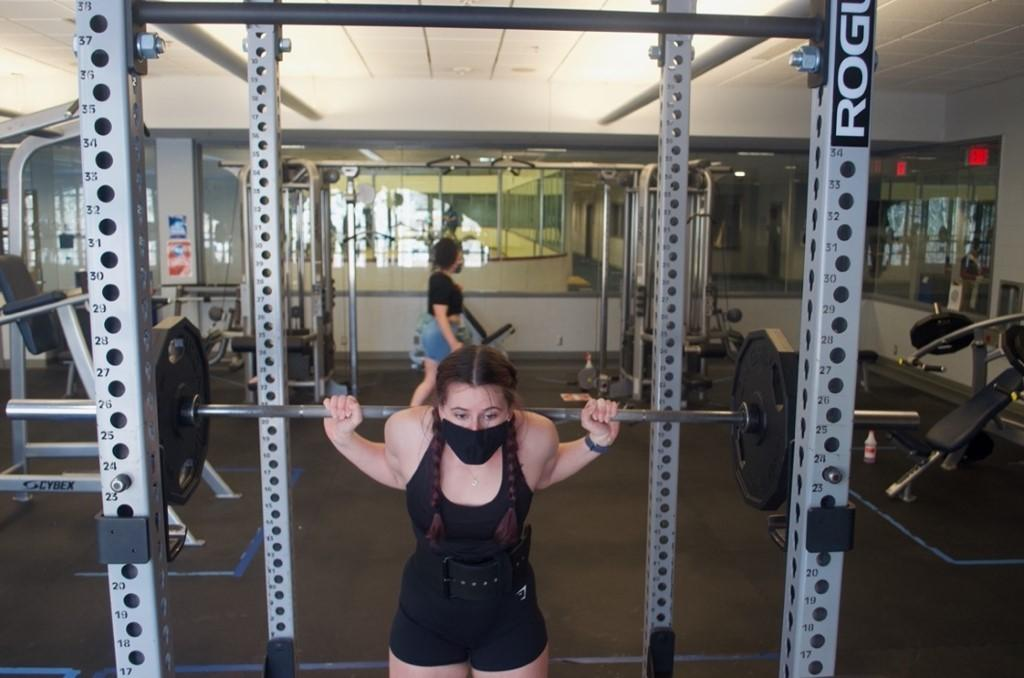 A person in a gym  Description automatically generated with medium confidence
