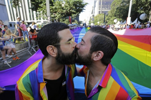 Huge crowds for LGBT pride parade in Brazil's... | Taiwan News