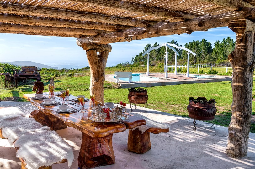 lapa rustic wooden patio covered