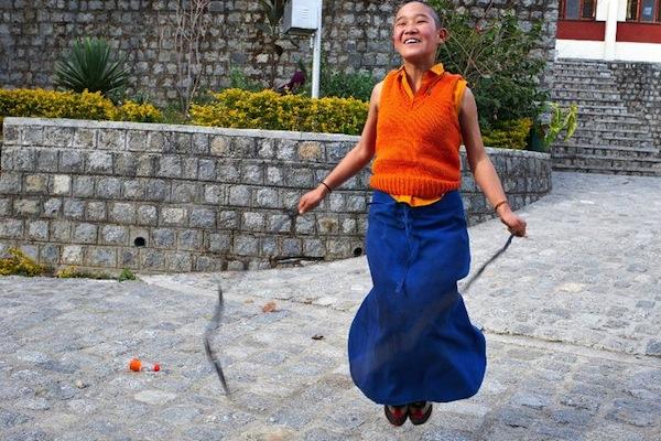 Buddhist nun skipping Olivier Adam