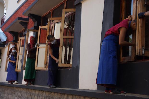 Tibetan Buddhist nuns working