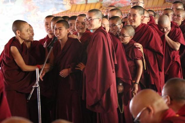 damcha, Tibetan Buddhist nuns, Tibetan debate, Tibetan Buddhism, Geshema, Geshema graduation