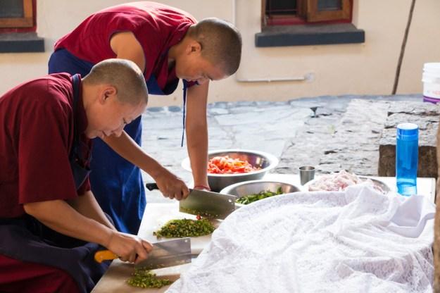 Buddhist nuns, Tibetan hot sauce, recipe for Tibetan hot sauce, Tibetan food