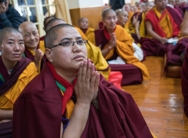 nuns listening to the Dalai Lama during long life ceremony