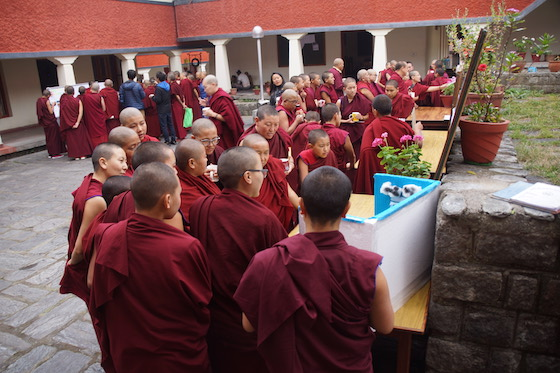 Tibetan Buddhist nuns take part in science fair