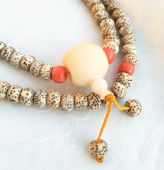 guru bead, mala, authentic mala beads, Tibetan malas, malas, prayer beads, what are Tibetan prayer beads, how to use a mala