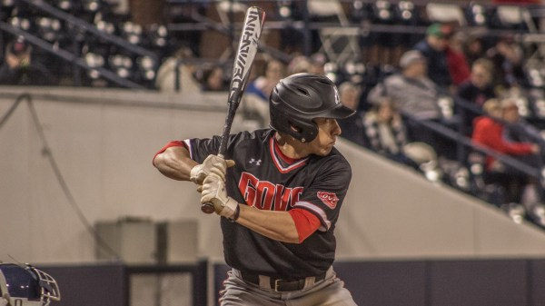 Ole Miss uses late inning to beat Austin Peay - TN Sports 360